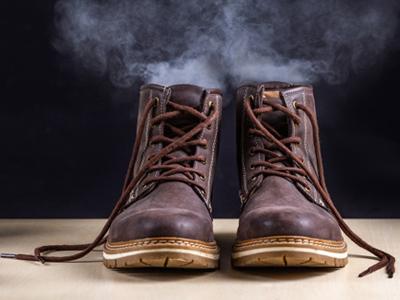 بو گرفتن کفش