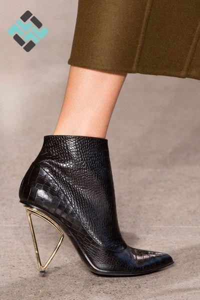 کفش پاشنه هندسی