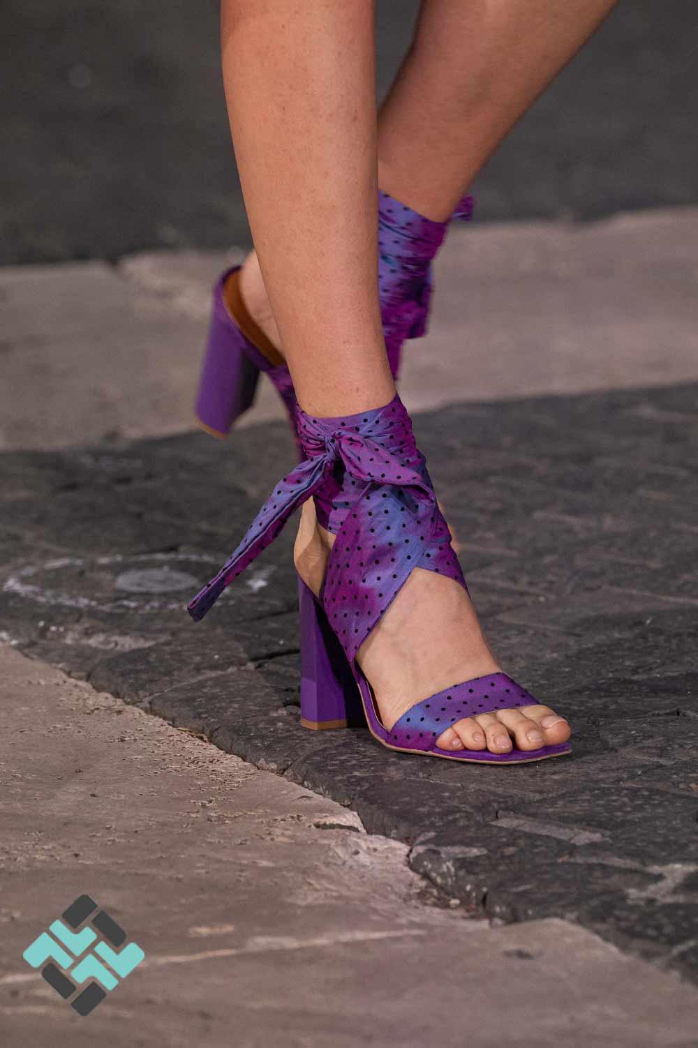 کفش با رویه پارچه