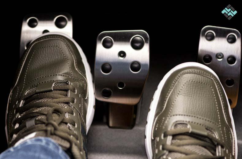 کفش مناسب رانندگی